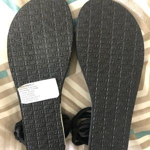Sanuk Shoes - Sanuk sandals